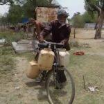 भीषण गर्मी में 200 परिवार चला रहे एक हैण्डपंप से काम