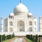 आज से खोले जाएंगे कई स्मारक, लेकिन नहीं हो सकेगा ताजमहल का दीदार
